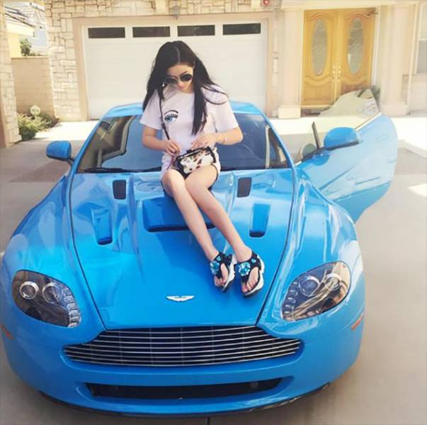 Chinese Rich Kids Want The Whole World To Know How Rich They Are