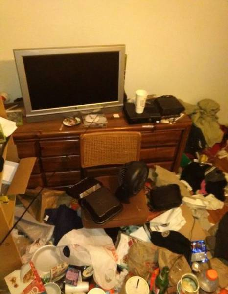 Some Housemates Can Have The Most Annoying Habits Ever