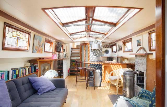Cozy Beautiful Houseboat In Amsterdam Can Be Rented For