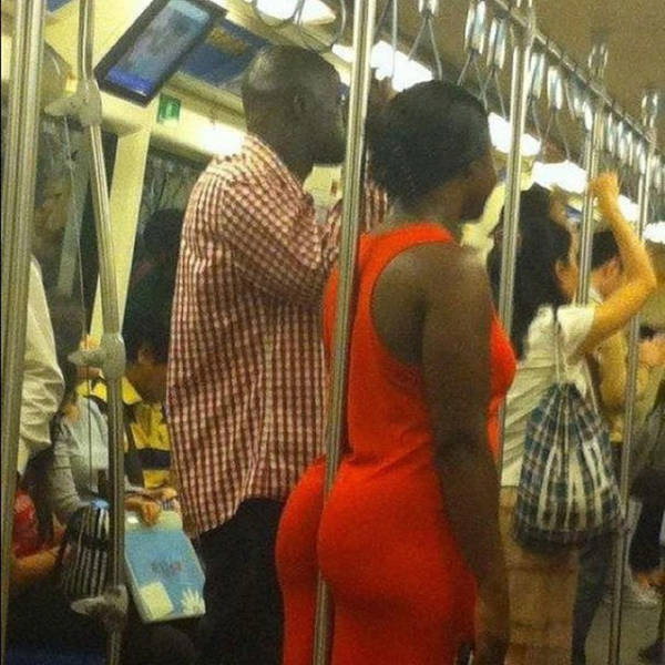 Some Girls On Commute Are Easy On Eyes