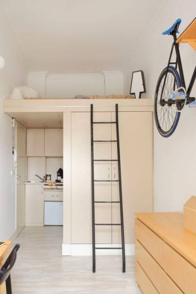 Living In A Tiny Apartment That Looks Bright And Airy
