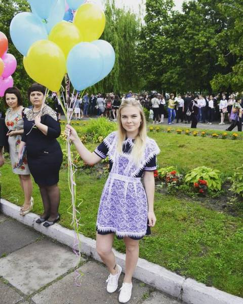 Beautiful Russian Schoolgirls Continue To Celebrate Their Graduation Day