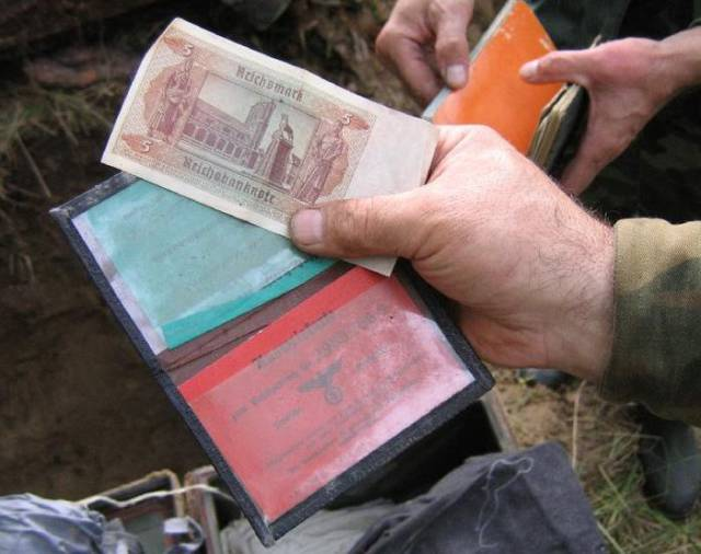 Volunteers Found WWII Treasures On A Battlefield In Russia