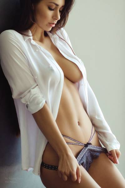 Sexy Babe Of The Day: Helga Lovekaty