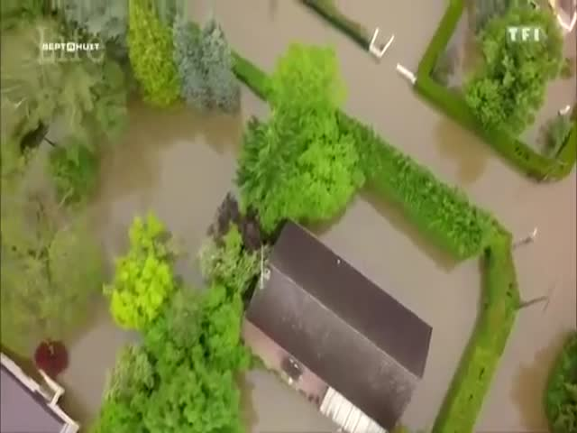 French Police Working Hard To Help People During Recent Floods