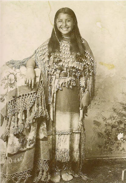 Beautiful Portraits Of Native American Teen Girls From -3618