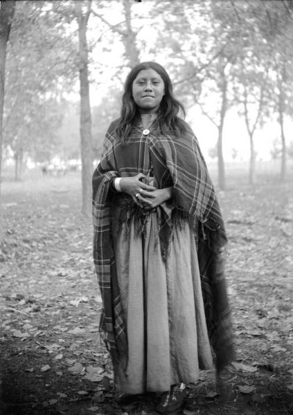 Beautiful Portraits Of Native American Teen Girls From 1800-1900 36 Pics - Picture -9155