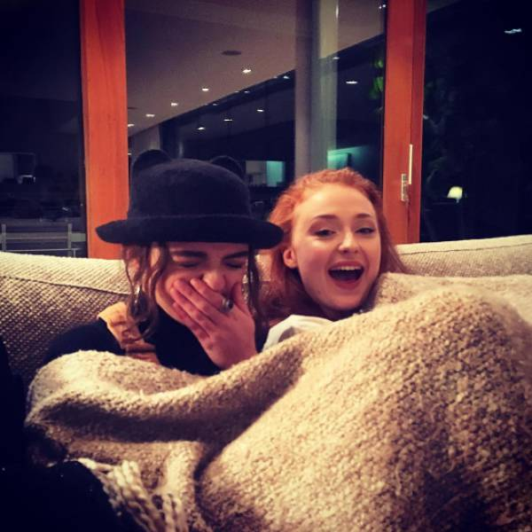 "It Kinda Looks Creepy When The ""Game Of Thrones"" Cast Are Actually Buddies In IRL"