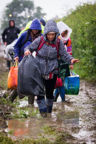 Heavy Rains Turned Glastonbury Site Into A Mudbath Creating A Chaos And A Headache For Festival Organizers