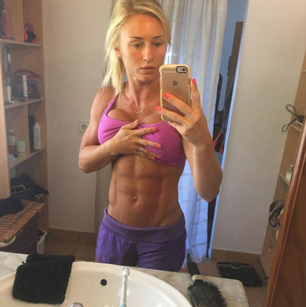 Bodybuilder Mom Regains Her Amazing Initial Shape 11 Months After Her Pregnancy