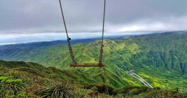 Swings That Were Installed In The Scariest Places Possible