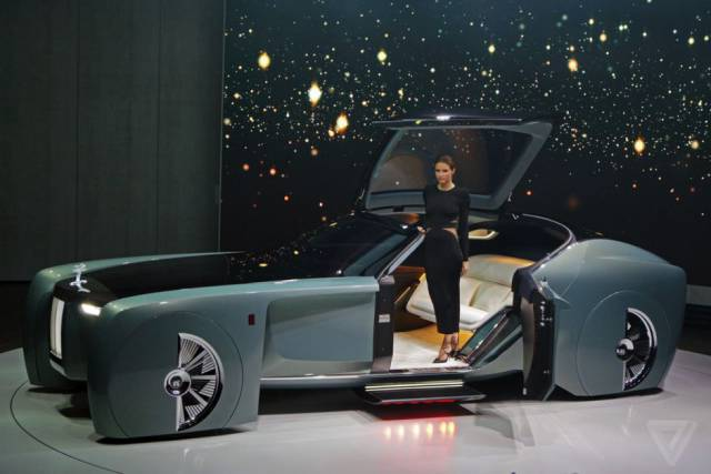 This Futuristic Version Of Rolls-Royce Drives Without A Steering Wheel
