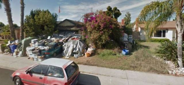 How This Hoarder's House Has Changed From 2007 To 2015