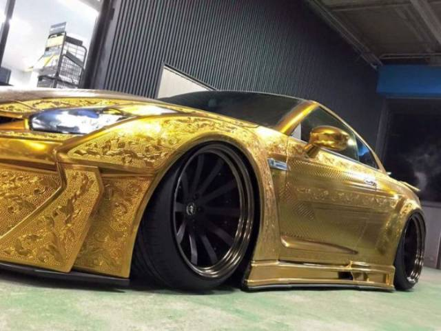 This Golden Carved Nissan GT-R Made A Huge Impression At The Tokyo Motor Show 2016