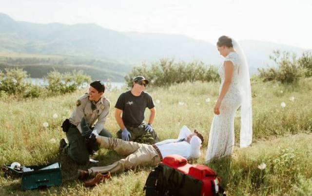 Unpleasant And Unwelcome Guest Appeared During A Wedding Photo Shoot