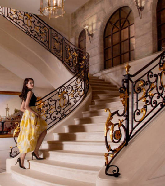 """""""Château Louis XIV:"""" The Most Expensive House Ever Sold"""