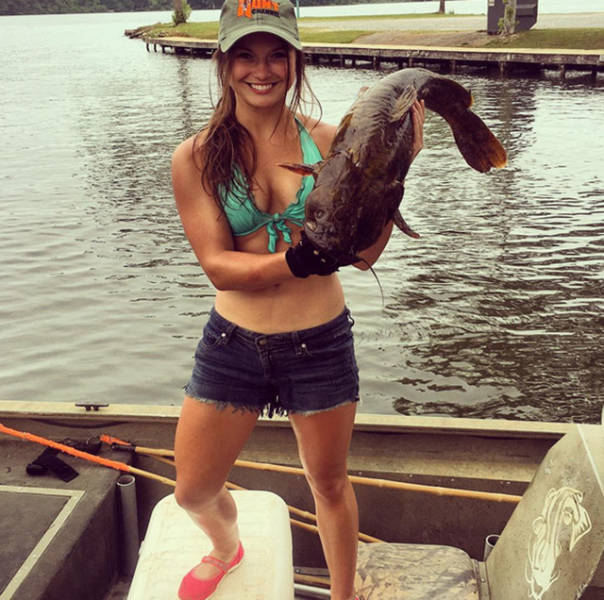 Alabama Car Tags >> Look What This Girl Can Do With Her Bare Hands! (11 pics ...