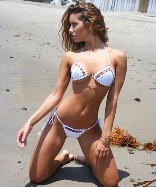 Girls in Bikinis are a Hot Combinatio