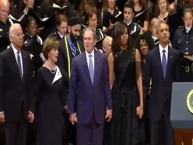 WTF?! George Bush Started Dancing At Dallas Victims' Memorial. Maybe He Was Drunk?