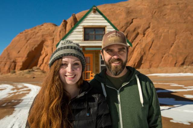 Couple Travels Country In Their Tiny House They'd Built Themselves For Under $20,000
