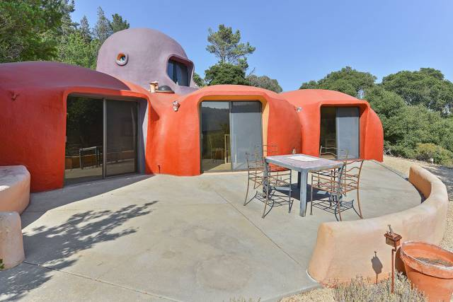 Design House That No One Wants To Buy