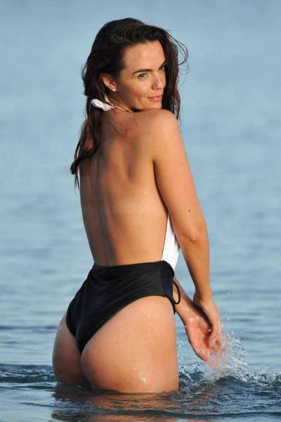 "Jennifer Metcalfe's Bum Won ""Rear Of The Year"" Award"