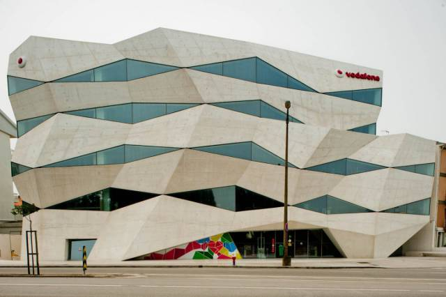 Some Of The Best Building Designs Around The World