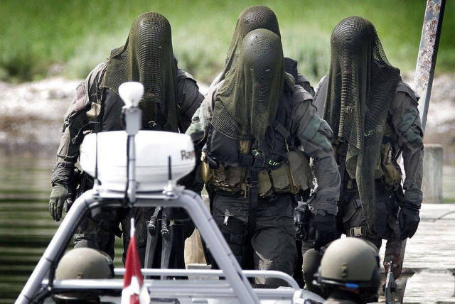 Special Forces From Around The World Look Really Impressive And Badass