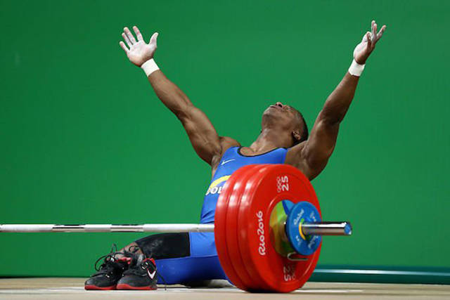 Columbian Weightlifter Rounds Off His Career In Style By Winning His First Ever Gold Medal