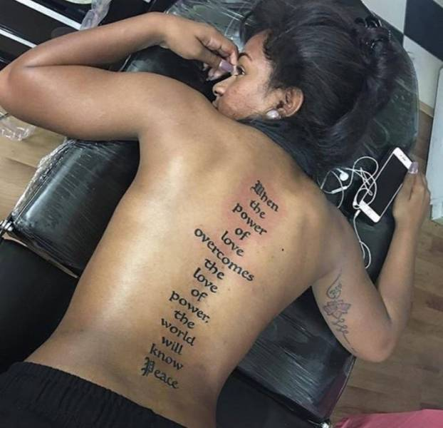Guy Masterfully Trolls A Girl Because Of Her Back Tattoo
