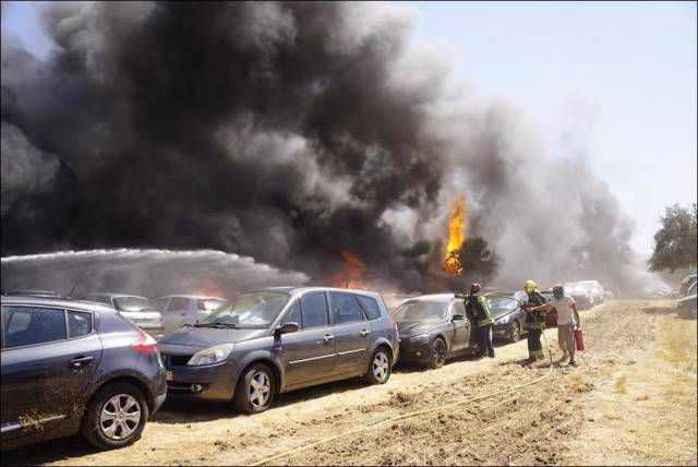 422 Cars Burned Down At A Music Festival In Portugal