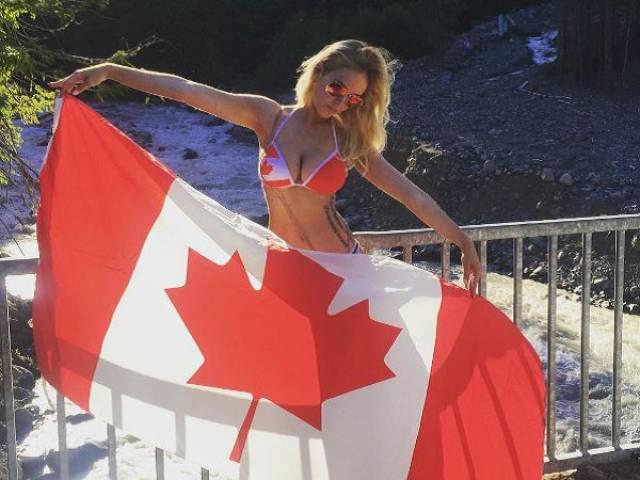 Skimpy Bikinis Make Summer a Super Sexy Season