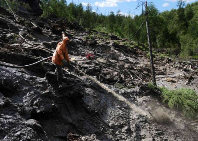 New Kind Of Gold Rush In Russia That Made Some Of The Poorest People Millionaires