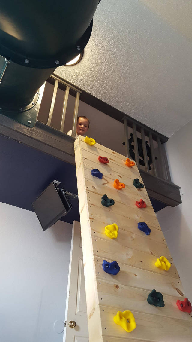 Dad Builds An Amazing Bedroom For His Son