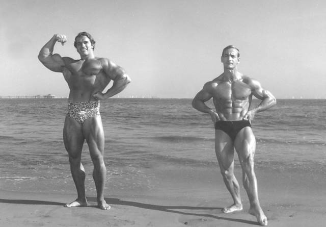 Body Of A Bodybuilder At 40 vs 80 Years Old
