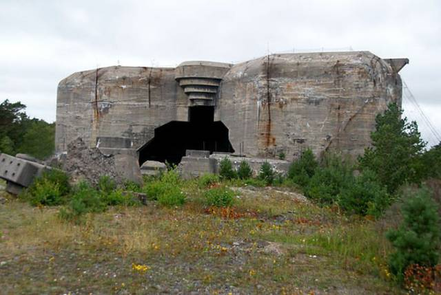 Inside Norwegian Coastal Artillery Fortress With The World