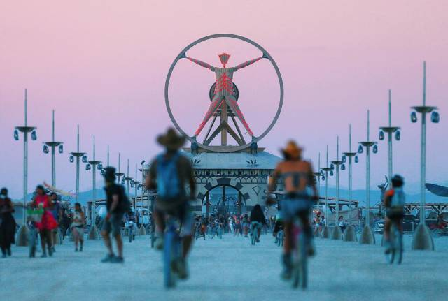 Some Of The Best Photos From Burning Man 2016