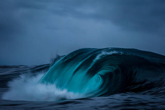"Beautiful Photos Of Waves And ""The Many Moods Of The Ocean"""