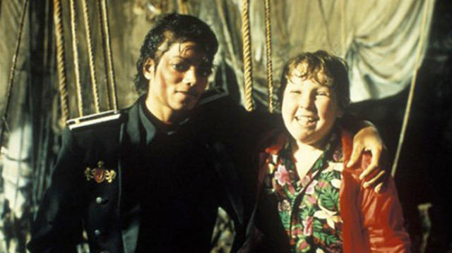 """Incredible Behind The Scenes Photos Of """"The Goonies"""""""