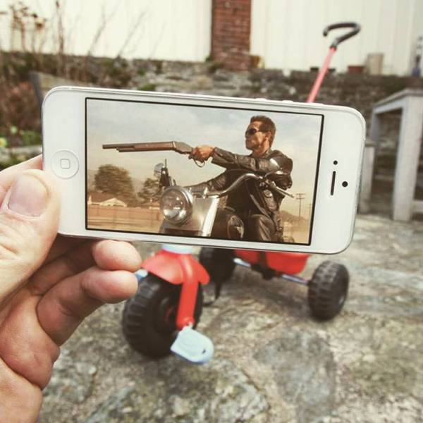 'Reality Revisited' Project Where iPhone Photos Are Perfectly Placed