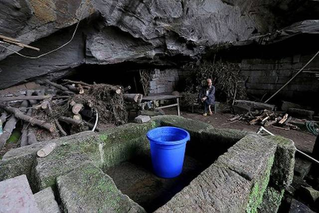 Chinese Have Been Living A Simple Life In A Cave For Over Half A Century