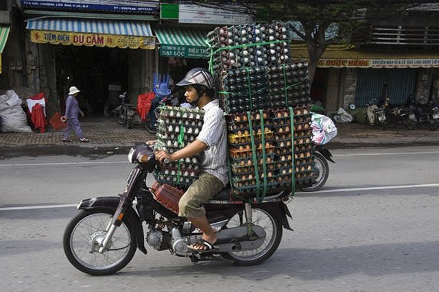 You'd Be Surprised To Learn What Crazy Loads A Simple Bike Can Carry