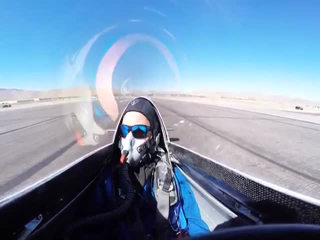 'Hot Stuff' F1 Racer Struck From Behind During Air Race Start