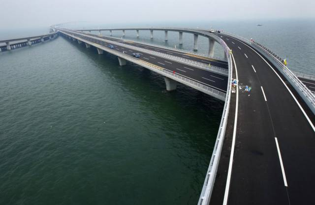 China's Huge Infrastructure Projects Are There To Impress
