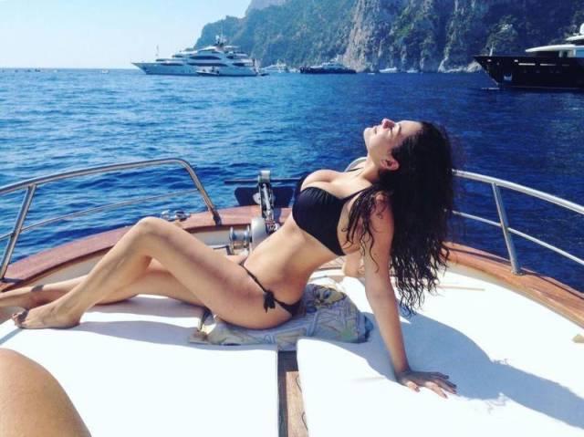 Italian Model Gets Body-Shamed For Having Curves