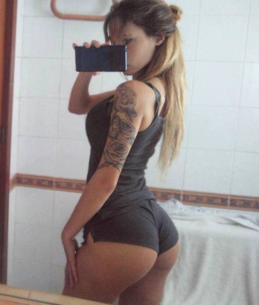 Pretty Bums Are A Treat For The Eyes