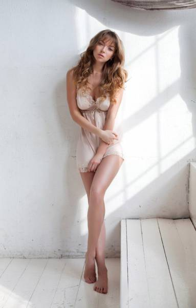 Sexy Chicks With Gorgeous Long Legs