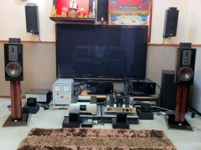 Amazingly Insane Collections Of Audiophiles