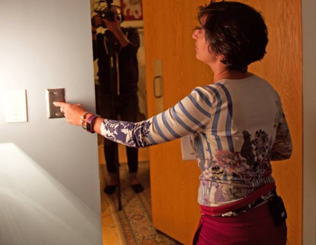 Woman Spends $25 K To Create A Secret Room In Her House