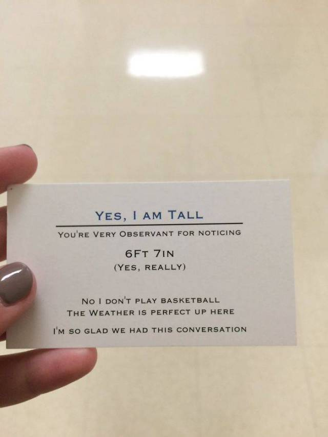 A Really Tall Guy Gives Out Business Cards To Avoid All The Annoying Questions And Jokes About His Height